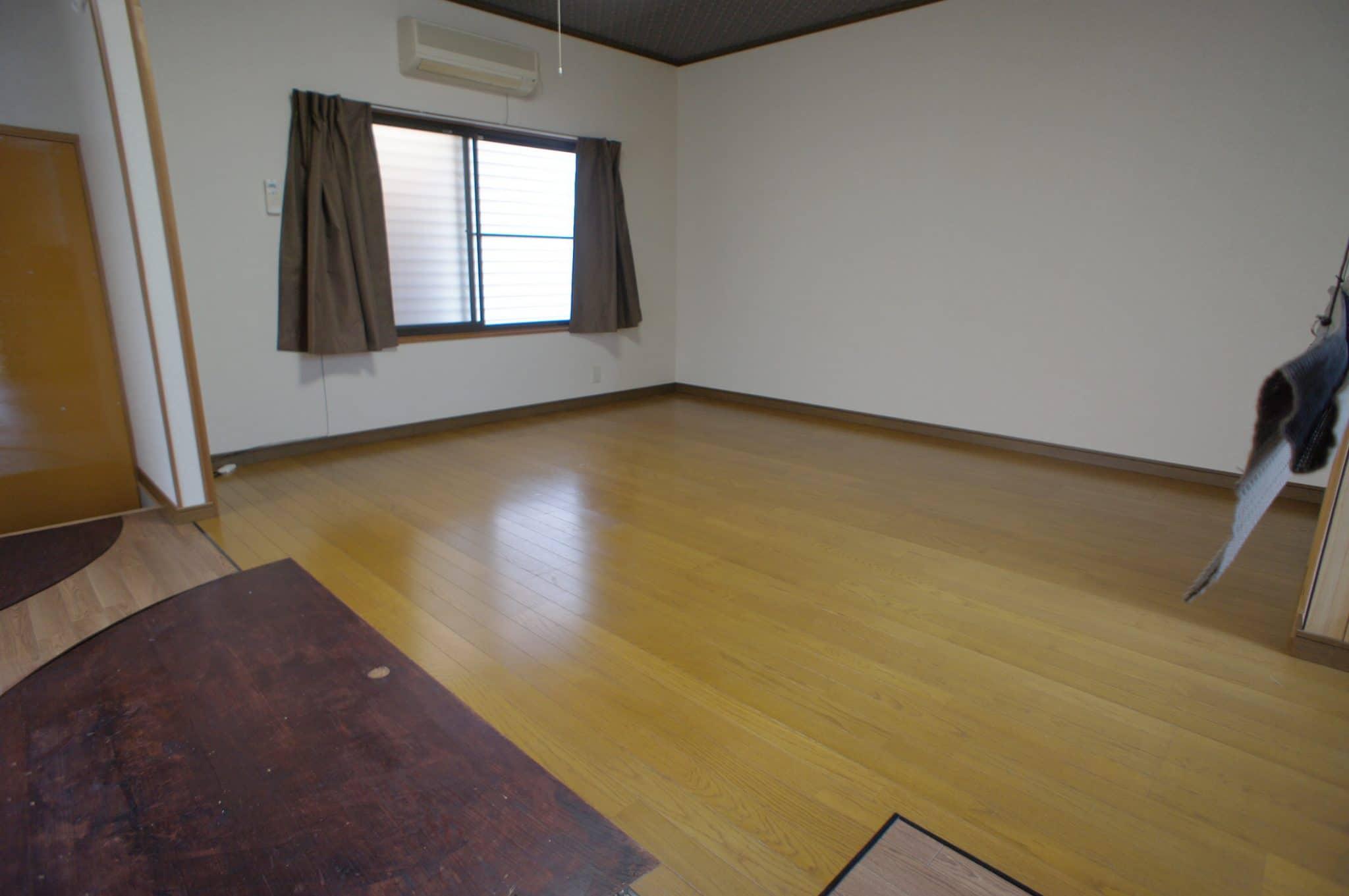 秋田町(一戸建)事務所 駐車場3台可!賃料6万円
